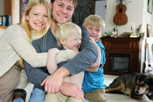 family-hugging_26255358