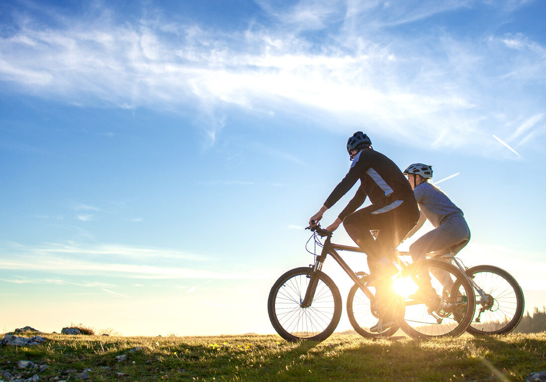 couple riding bikes-80